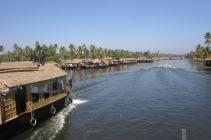 More houseboats...
